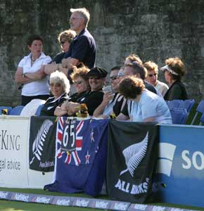 [NZ Supporters © Don Miles]